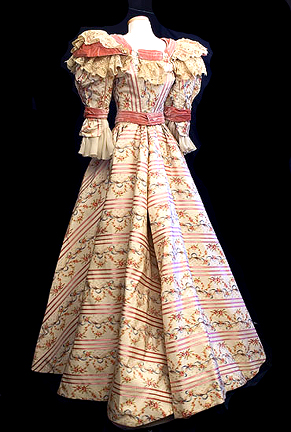 Dress of Yosoyeal Real News