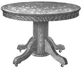 Charmant Antique Table