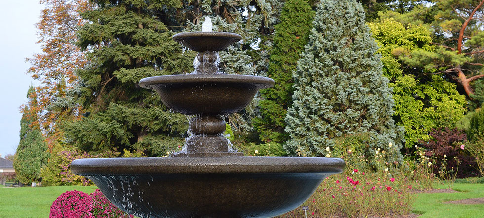 10 Dazzling Water Fountain Ideas (PHOTOS)