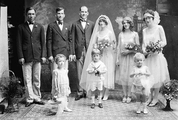 Vintage Wedding Dresses (PHOTOS