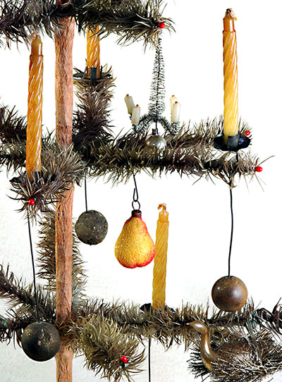 how to decorate old fashioned christmas trees