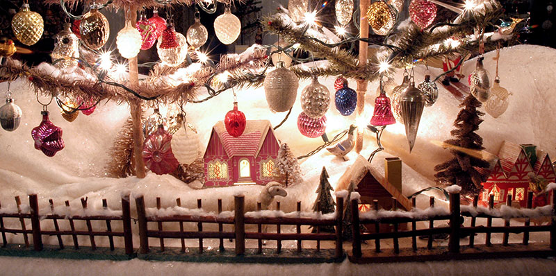 Excellent Christmas Traditions Decorating The Christmas Tree Easy Diy Christmas Decorations Tissureus
