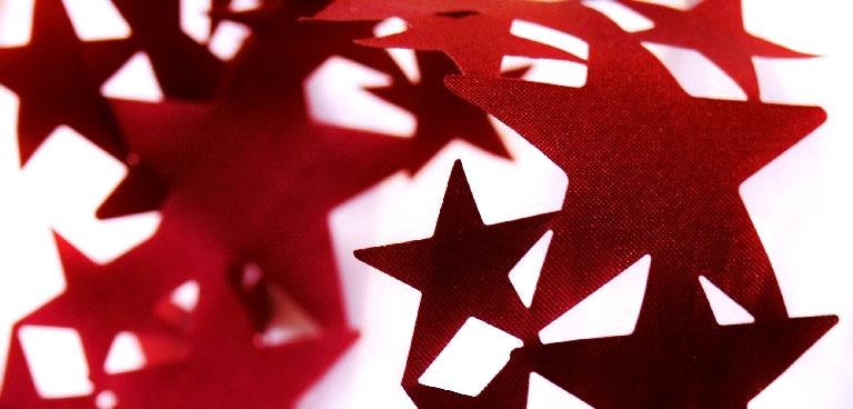 christmas tree garland red stars
