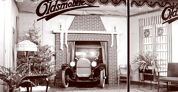 Not All Chistmas Department Store Windows Were Filled With Toys For Children This 1920s Oldsmobile Holiday Window Display Features An Adult Gift A Vintage