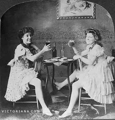 Antique Photograph: BALLET GIRLS HAVING A GOOD TIME