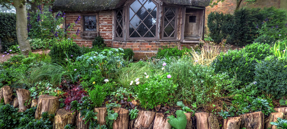 Discover The Charm Of The Cottage Garden