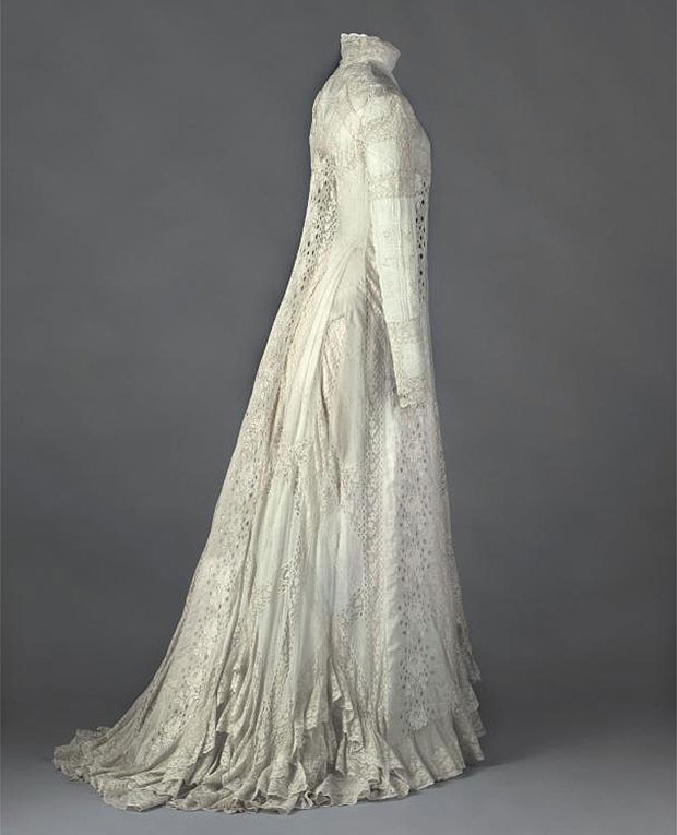 Tea-gown, de Ré¬jane 1898 - 1899.