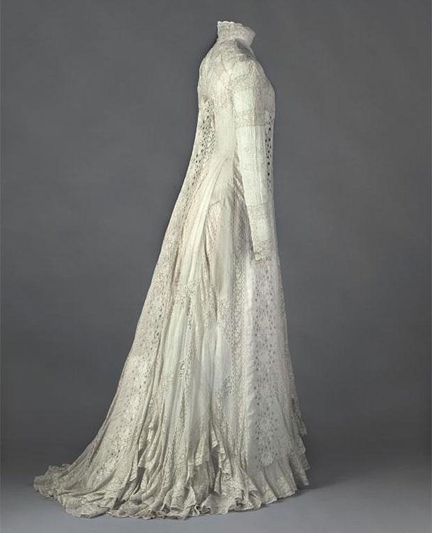 Tea-gown, de Ré¬jane 1898 - 1899.