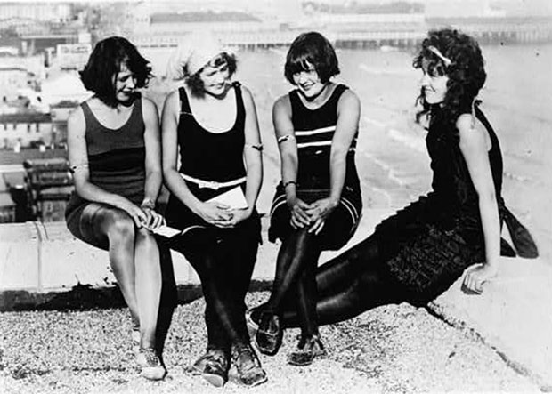 New York beauties in vintage bathing suits at Atlantic City carnival on Sept. 8, 1922.