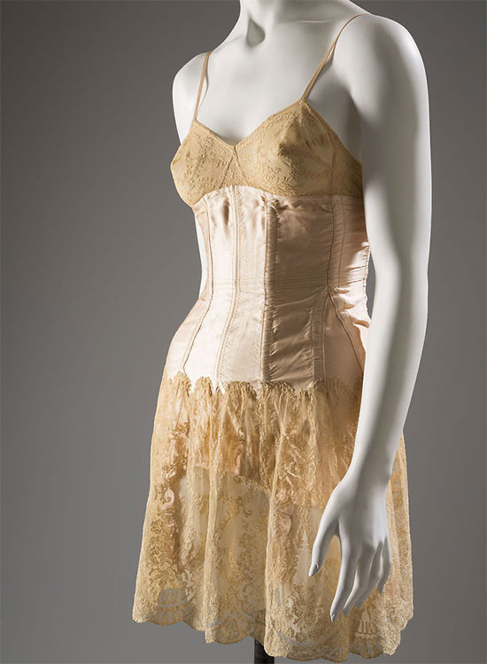 Cadolle girdle. Satin, lace and elastic, circa 1930. [Image credit: Fashion Institute of Technology, www.fitnyc.edu/museum.asp]