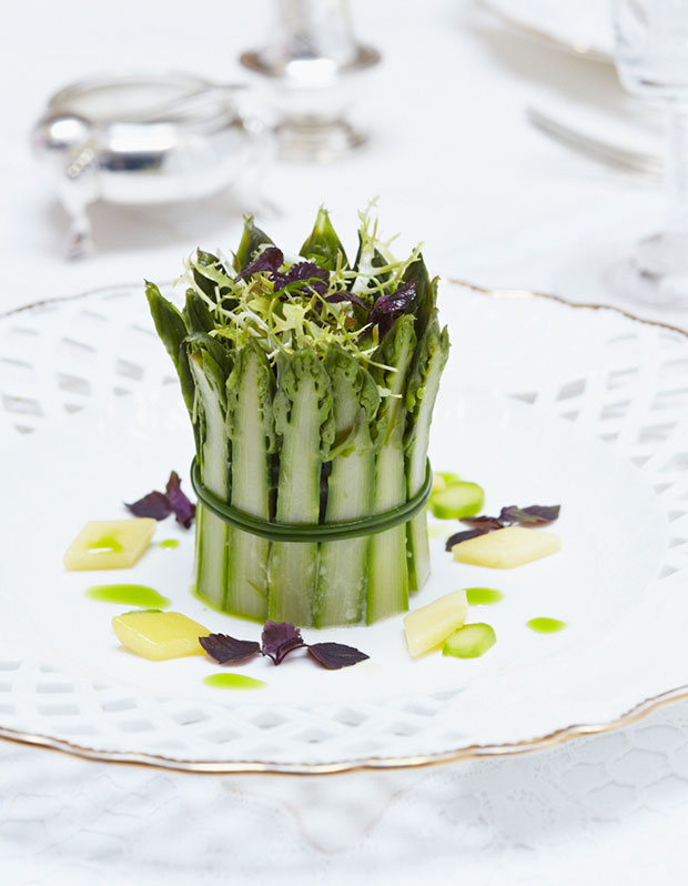 Crown of Asparagus with Crab and Mango. [Image credit: Royal Collection Trust / (C) Her Majesty Queen Elizabeth II 2014]