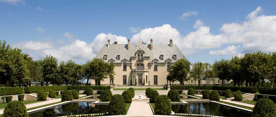 Luxury Accommodations In Gatsby Era Historic Mansion