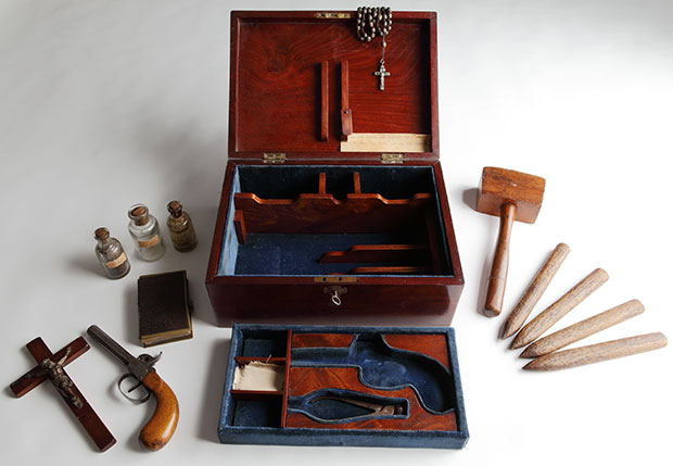 Vampire Hunting Kit, Victorian ©Royal Armouries (XII.11811)