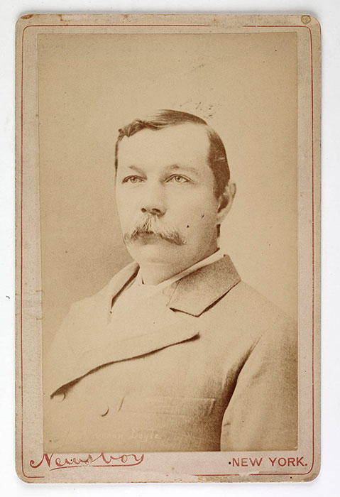 Arthur Conan Doyle, Carte de visite, New York, undated. [Image: Museum of London]