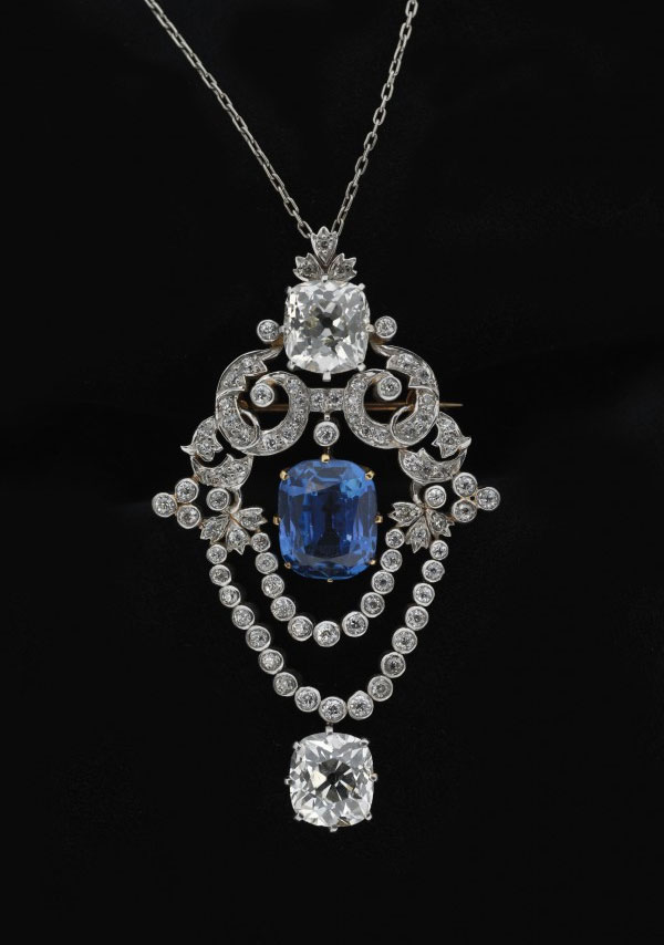 TIFFANY BROOCH Tiffany & Co., Pendant brooch, ca. 1900 Platinum, diamonds, sapphire Museum of the City of New York, Bequest of Mrs. V. S. Young, 82.163.1